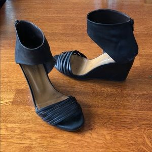 Coclico Juna black wedge heel peep-toe